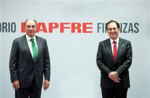 Ignacio Galán, president of Iberdrola with the president of MAPFRE, Antonio Huertas.